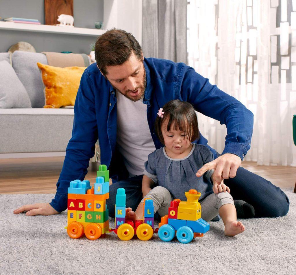 Mega Bloks Le Train de L'Alphabet, briques et jeu de construction, 50 pièces, jouet pour bébé et enfant de 1 à 5 ans, FWK22