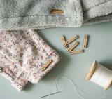 Comment étiqueter les vêtements de ses enfants facilement ?