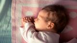 Plagiocéphalie : Comment la prévenir (syndrome de la tête plate)